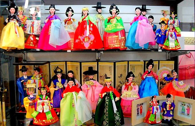 Korean-dolls.jpg